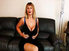 Thumb: Mature mom at home rub...