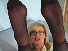 Thumb: Nina Hartley  pantyhos...