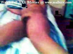 Desi Indian Babe Showi... video