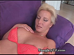 See: Smoking-Hot MILF Strok...