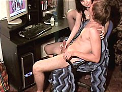 Nuvid Movie:Young brunette amateur gives h...