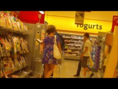 up skirt in shopping c... - Xhamster