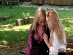 DrTuber Movie:Two hot lesbians are on a park...