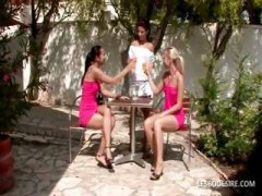 DrTuber Movie:Three lesbian lovers are in th...