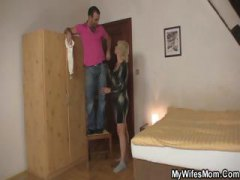 Thumb: Blonde mom seduces her...