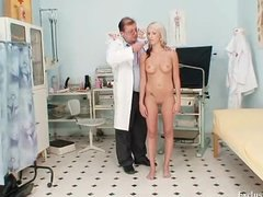 Tube8 Movie:Hot blond babe vagina examinat...