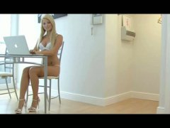 Eighteen year old video virgin Aurora Jolie