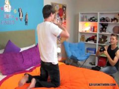 Nuvid - Two Young Guys Get It On