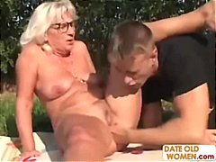 Blonde Romanian granny... video