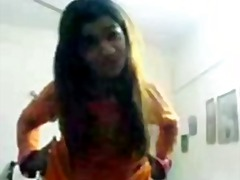 Pakistani girl hymen b... - Tube8