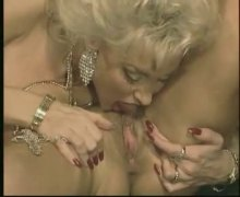Xhamster Movie:80's lesbian 3some on...