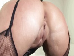 Flower Tucci works her...
