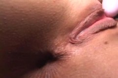 Thumb: Extreme close up on pu...