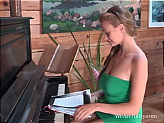 PornHub Movie:Claire G is a good piano player