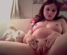 Xhamster Movie:Pregnant Redhead Bates on Cam