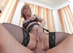 See: French maid Nina Hartl...