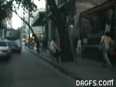 Thumb: Couple in a taxi in Ar...