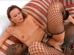 Nuvid Movie:Big-booty whitey gets her pier...