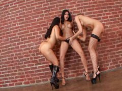Three hungry girls lic... video