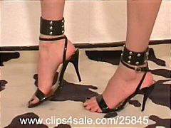 Foot Torture 120 Pins ... video