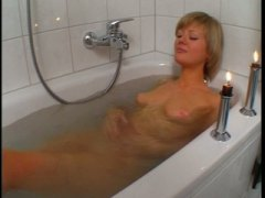 Pantyhose girl in the tub video