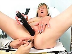 H2porn Movie:Nada visits her gyno doctor fo...