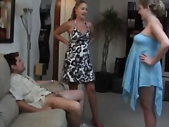Showing her girlfriend - Xhamster