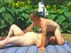 DrTuber Movie:BBW Sex in the Garden Part2