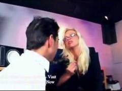 Aggressive bosswoman f... video