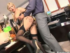 Office slut Donna Bell... video
