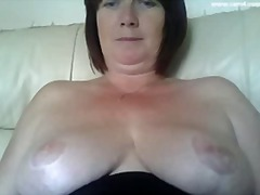 Nuvid - Stacked plump British momma is ready for a damn hot webcam chat