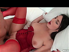 Natural Big-Tit Brunette Euro slut fu...