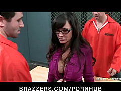 Big Tit Milf Lisa Ann is double-penet...