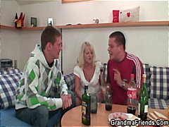 PornHub Movie:Partying guys seduce slutty bl...