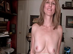 Amateur Milf Berkley gets nude & stuffs dildo for orgasm