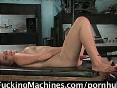 PornHub Movie:18yo girl, first EVER porn sho...