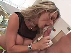 Vicky Vette vs Mark As...