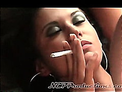 Ariana Fox - Smoking Fetish at Draggi...