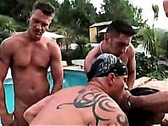BESTIAL GANGBANG CON K... video