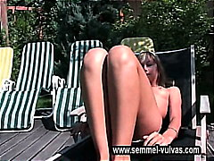 sunbathe and play cameltoe pussy of s...
