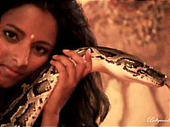 Redtube Movie:A snake to cuddle