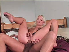 See: Blond bimbo analized