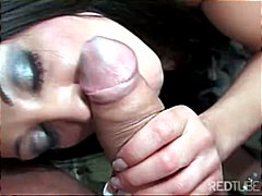 Thumb: Buxom raven-haired chi...