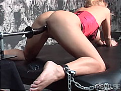 Chained and machinefucked