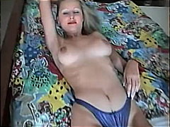 Redtube - Young slut shows off