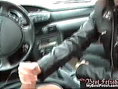 Thumb: Handjob in a car