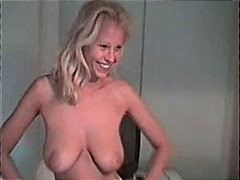 Naked blonde moving preview
