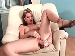 Blonde cougar magic wo...