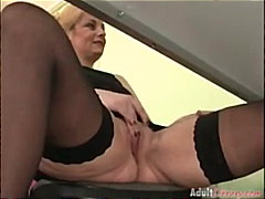 Mature slut gets both holes filled