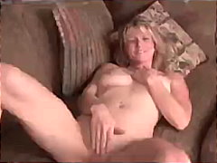 Amateur Milf Berkley g... - Keez Movies